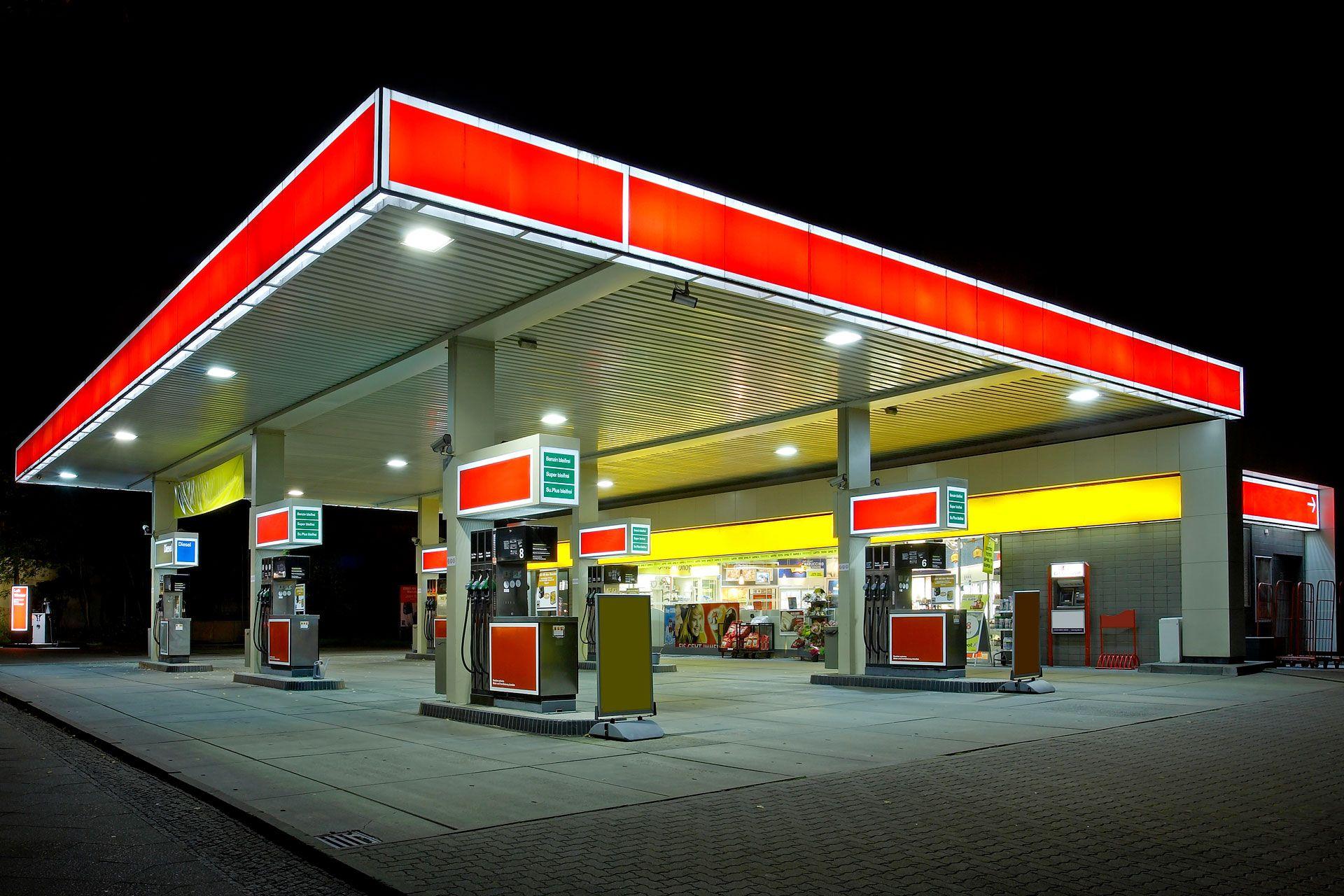bensinstasjon bygg