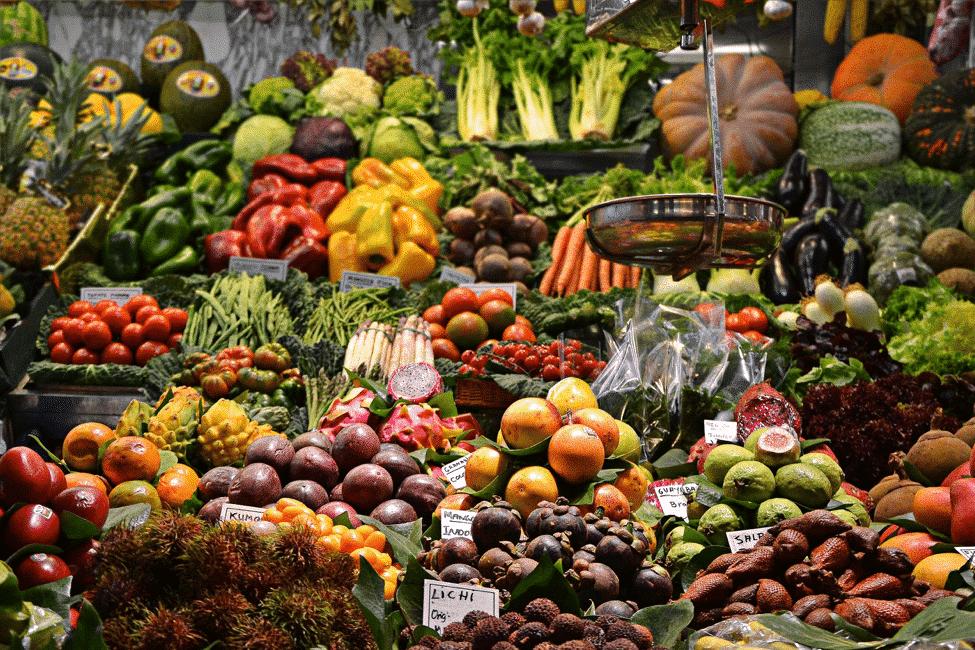 frukt og grønnsaker fraktes med container