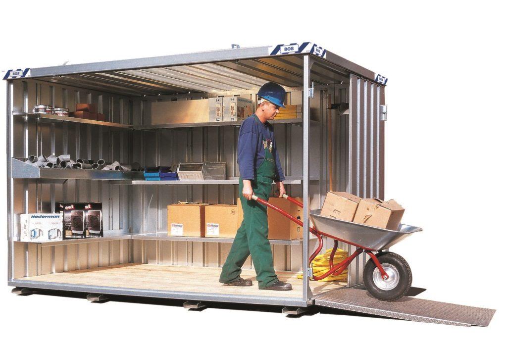 container tilpasset med hyllesystemer