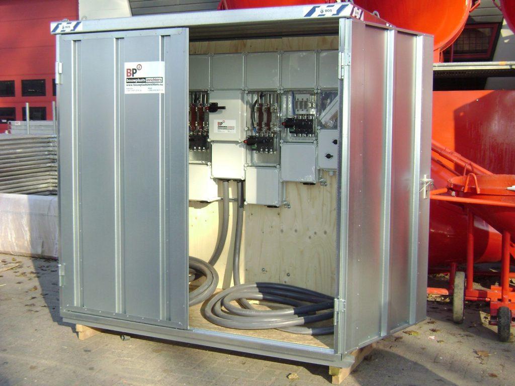 teknisk installasjon med overbygg av container