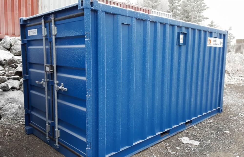 Isolerte containere holder varmen på vinteren